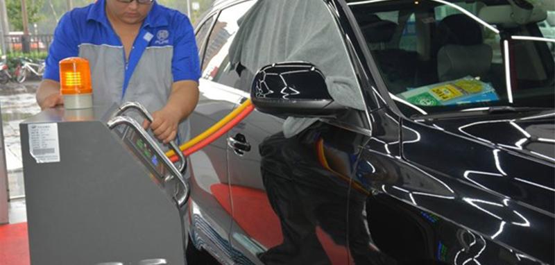 用臭氧给汽车消毒除味